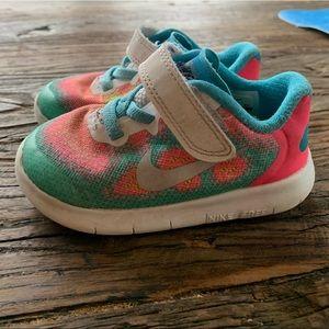 Nike toddler girls sneakers size 6c
